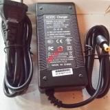 Зарядка для Самоката Kugoo S3, S2, Pro, Lux, S1, F3 Pro на 42V 1.5A-2A модель XVE-4200150